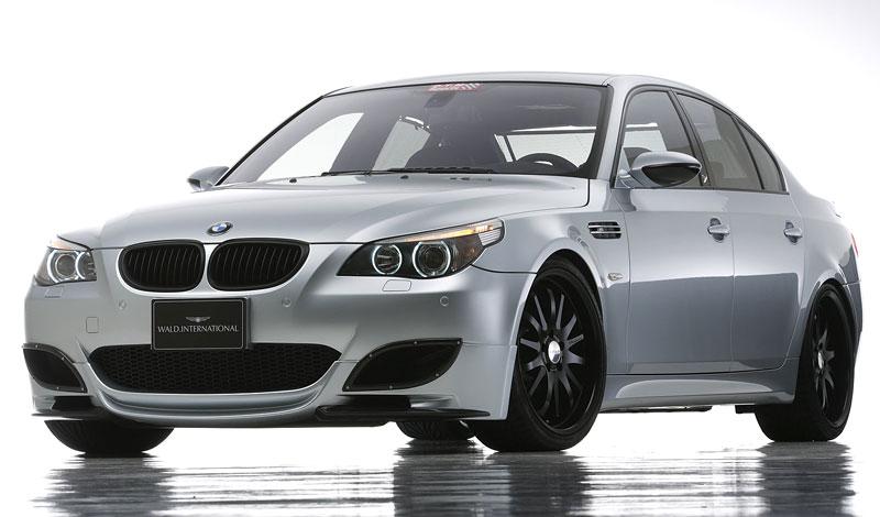 Pod lupou: BMW M5 - Bavorský dálniční expres: - fotka 148