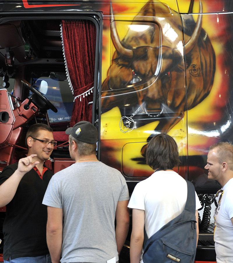 Tuning World Bodensee 2011: velká fotogalerie: - fotka 74