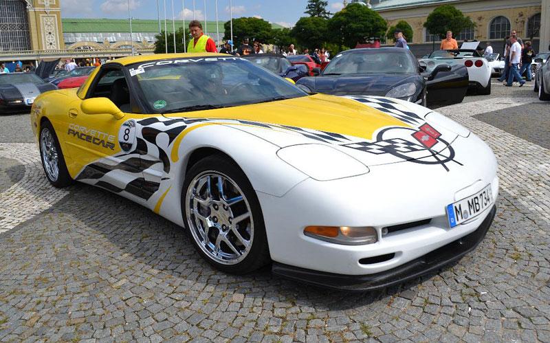 Corvette sraz Praha 2012: velká fotogalerie: - fotka 78