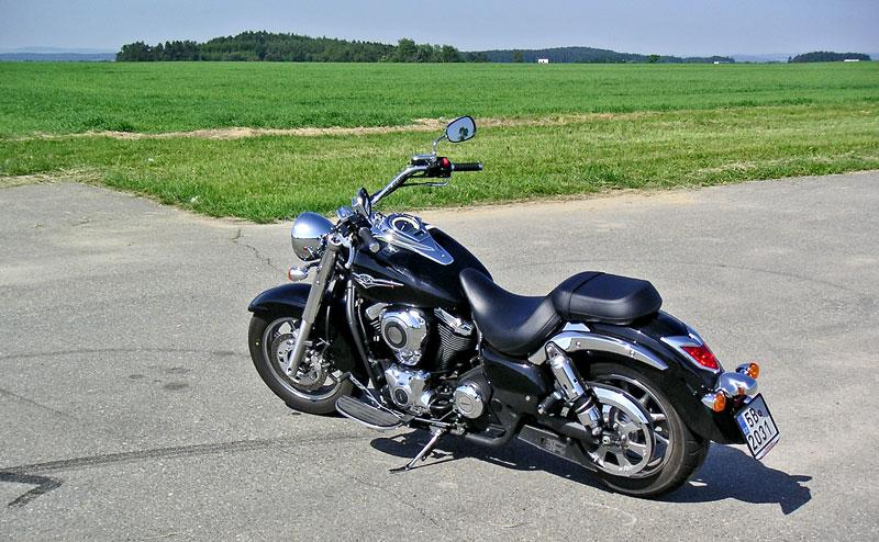 Za řídítky - Kawasaki VN1700 Classic a VN1700 Voyager: - fotka 6