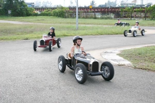 Harrington Group: Bugatti, Porsche a další klasici nejen pro děti: - fotka 7