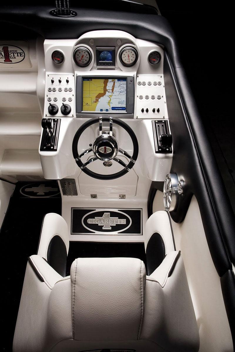 Mercedes-Benz SLS AMG inspirací pro motorový člun Cigarette Racing: - fotka 4