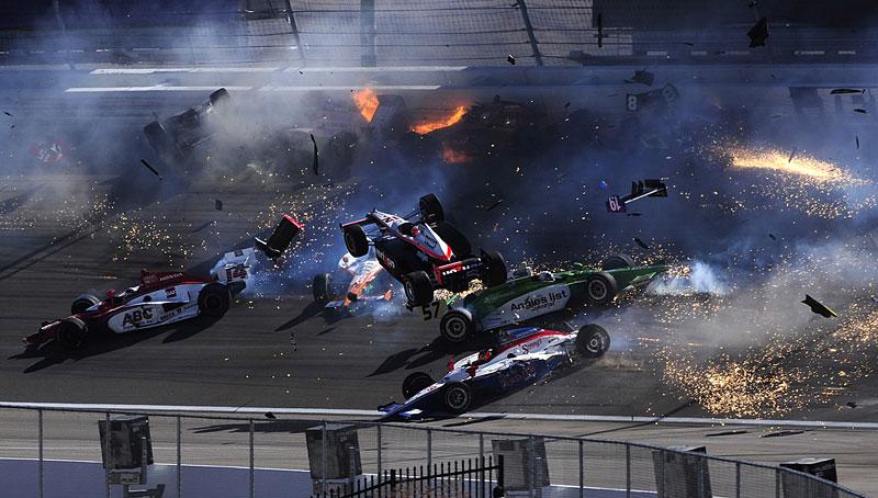 Las Vegas Indy 300: Zemřel Dan Wheldon: - fotka 7