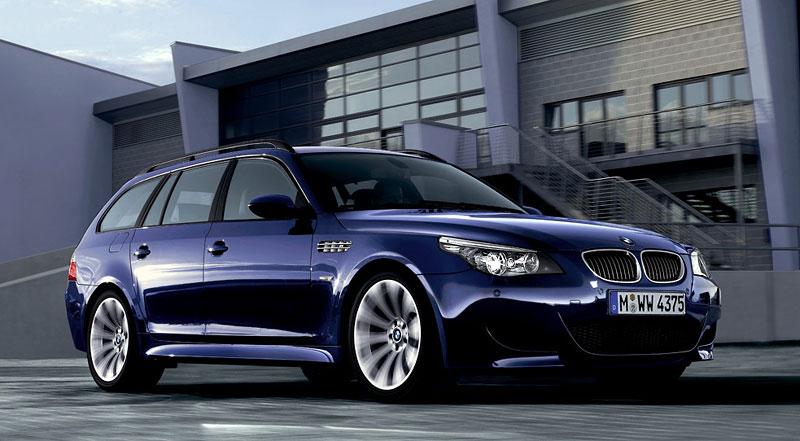 Pod lupou: BMW M5 - Bavorský dálniční expres: - fotka 152