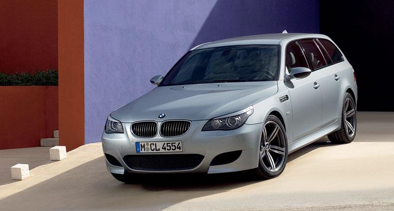 Pod lupou: BMW M5 - Bavorský dálniční expres: - fotka 154