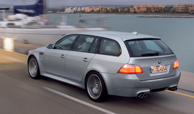 Pod lupou: BMW M5 - Bavorský dálniční expres: - fotka 161