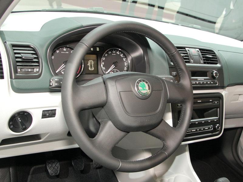 Autosalon Ženeva: Škoda Fabia Sports Design Concept: - fotka 10