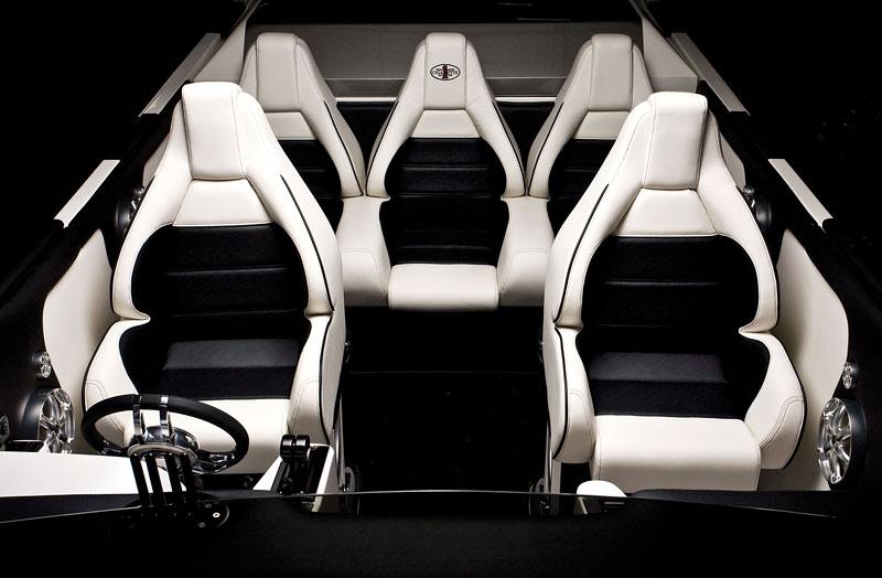 Mercedes-Benz SLS AMG inspirací pro motorový člun Cigarette Racing: - fotka 5