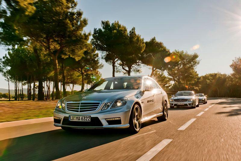 SLS AMG GT3: nový přírůstek do Mercedes-Benz Driving Academy: - fotka 8