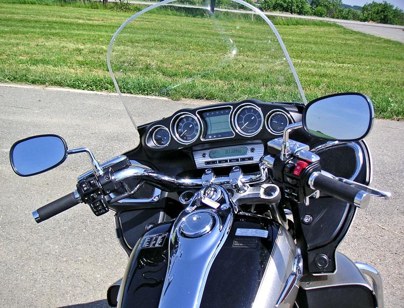 Za řídítky - Kawasaki VN1700 Classic a VN1700 Voyager: - fotka 8
