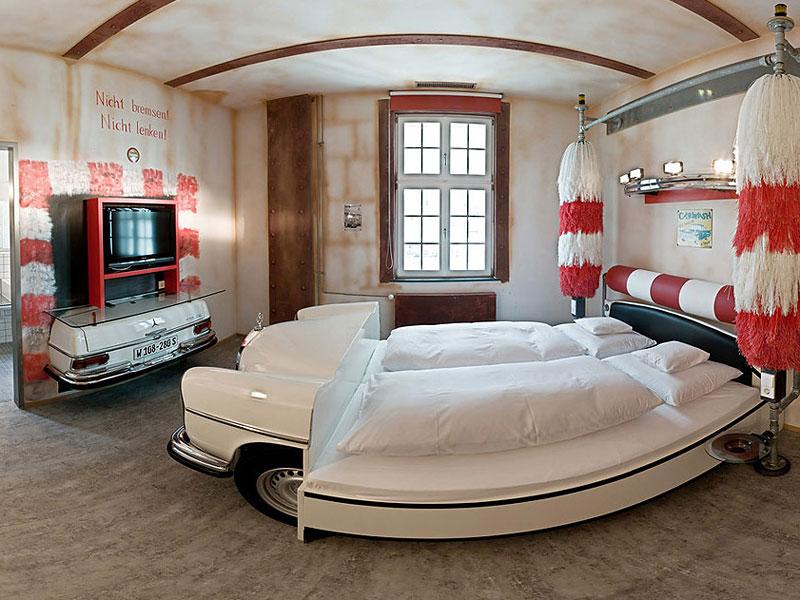 V8 hotel ve Stuttgartu: kdy jste naposledy přespali v myčce?: - fotka 9