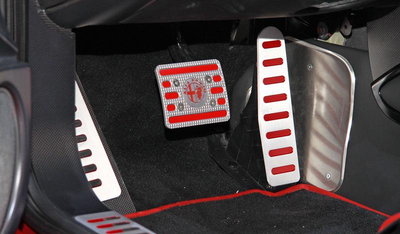 Carrozzeria Touring Superleggera Disco Volante: Z nehybného modelu produkční sportovec: - fotka 5