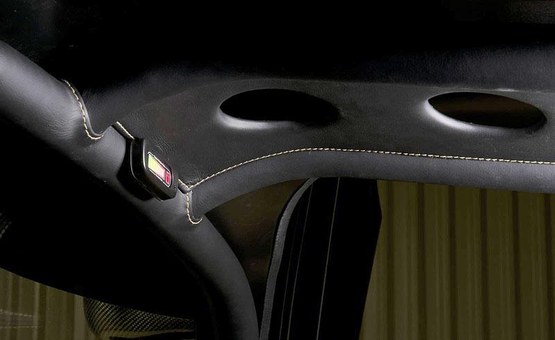 Ultima Evolution má 1024 koní a váží pod tunu: - fotka 10