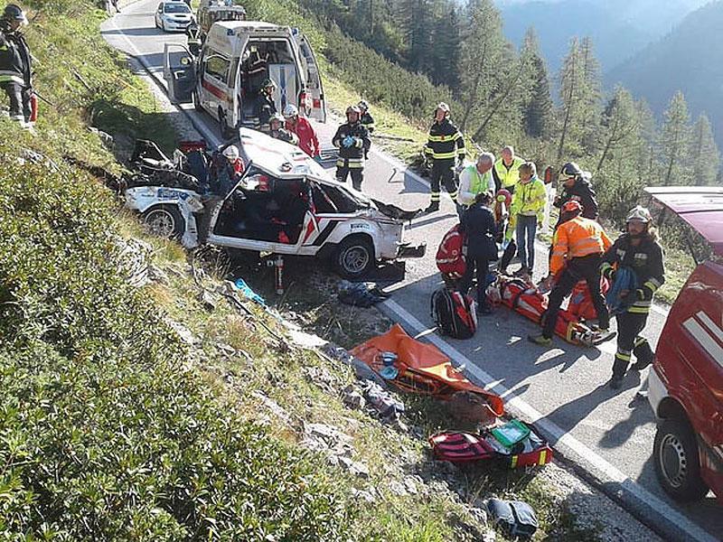 Děsivá bouračka ve starém závodním Fiatu ukazuje, jak důležitá je bezpečnostní klec: - fotka 8