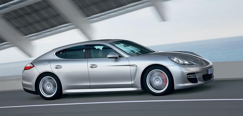 Panamera je zřejmě novým nejrychlejším sedanem Nordschleife: - fotka 79