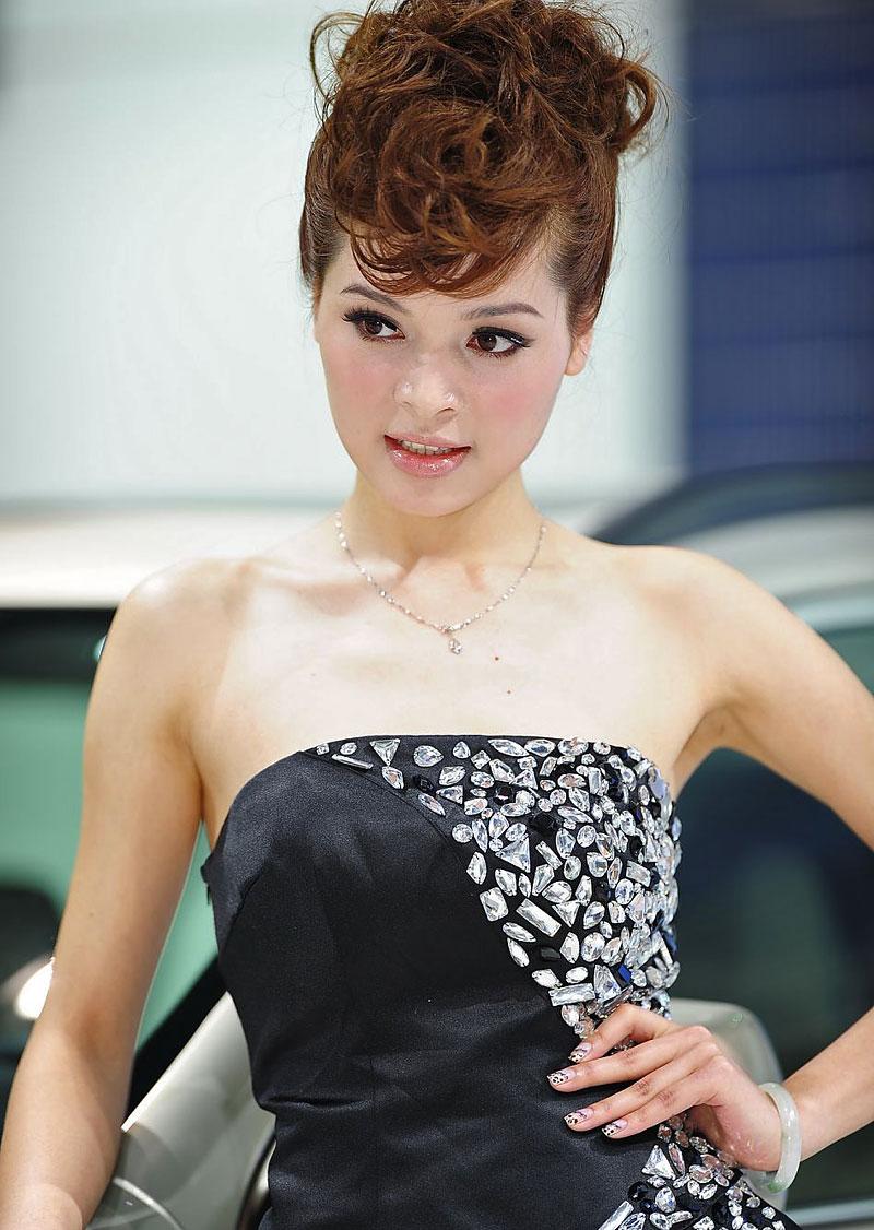 Šanghaj 2011: Babes, díl III.: - fotka 107