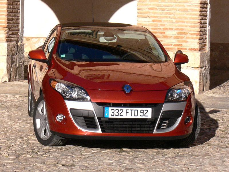 Za volantem: Renault Mégane Coupé: - fotka 39