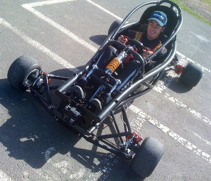Hyper PRO Racer: Supermotokára s hmotností jen 160 kilogramů!: - fotka 2