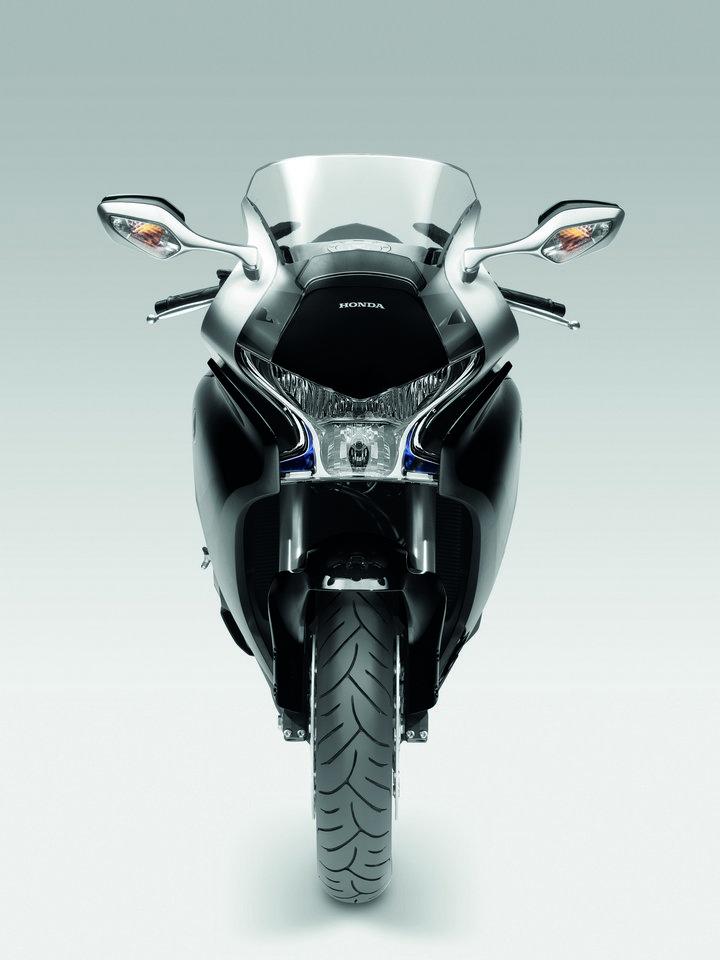 Intermot 2010 - Honda pouze v jiných barvách: - fotka 1