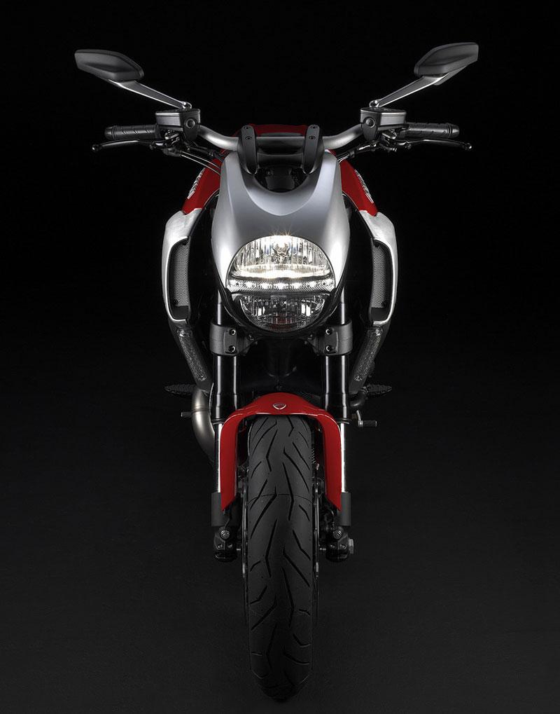 Oficiální představení Ducati Diavel: - fotka 6