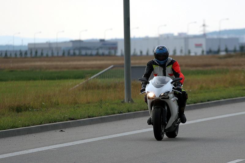 Top 10 roku 2009: Motorky: - fotka 4