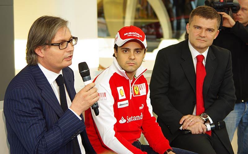 Felipe Massa otevřel v Praze showroom Ferrari: - fotka 12