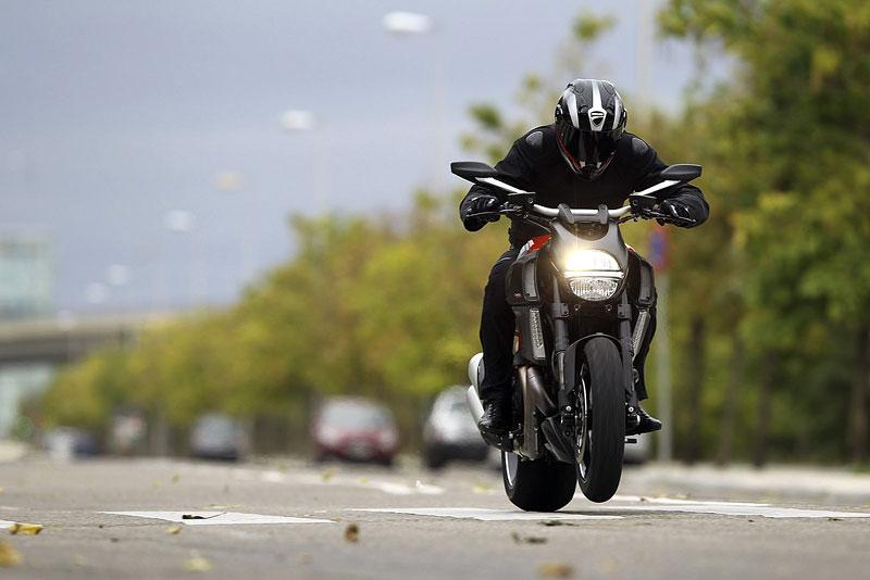 Oficiální představení Ducati Diavel: - fotka 7