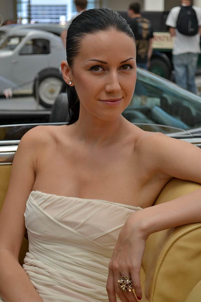 Autosalon Brno 2011: Babes: - fotka 31