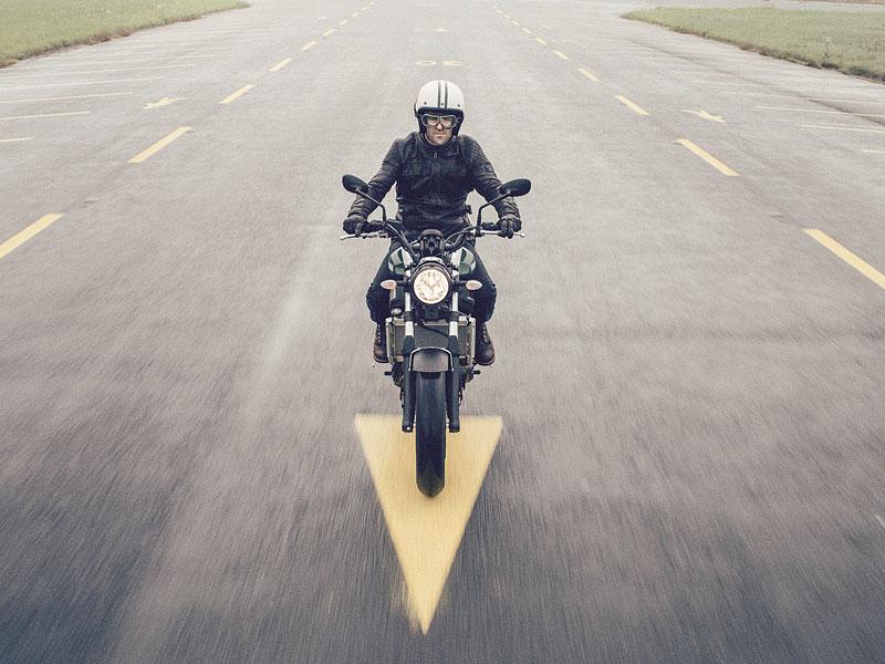 Yamaha XSR700: Rychlý potomek: - fotka 3