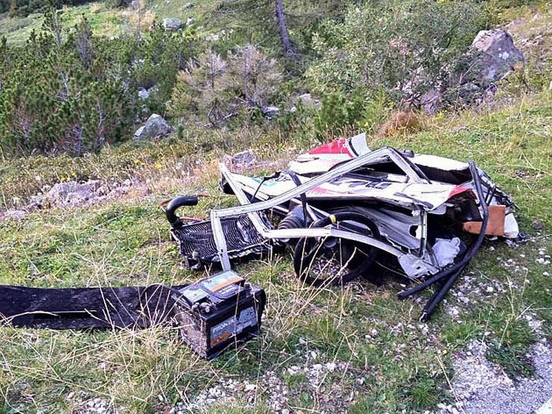 Děsivá bouračka ve starém závodním Fiatu ukazuje, jak důležitá je bezpečnostní klec: - fotka 10