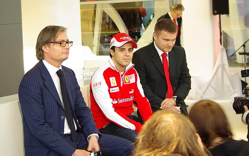 Felipe Massa otevřel v Praze showroom Ferrari: - fotka 13