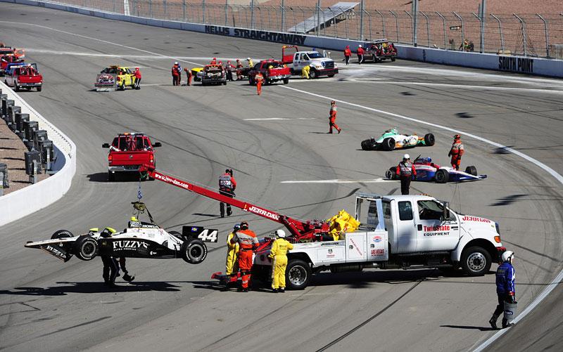 Las Vegas Indy 300: Zemřel Dan Wheldon: - fotka 12