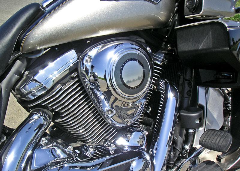 Za řídítky - Kawasaki VN1700 Classic a VN1700 Voyager: - fotka 12