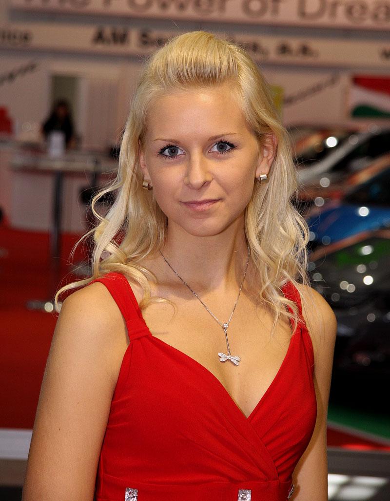 Autosalon Brno 2009 - Babes: - fotka 14