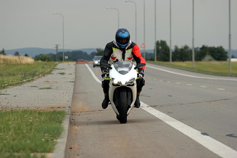 Top 10 roku 2009: Motorky: - fotka 5