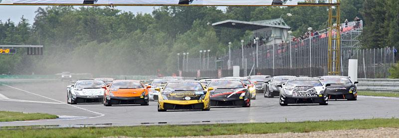 FIA GT: ošklivá havárie při závodě v Brně: - fotka 13