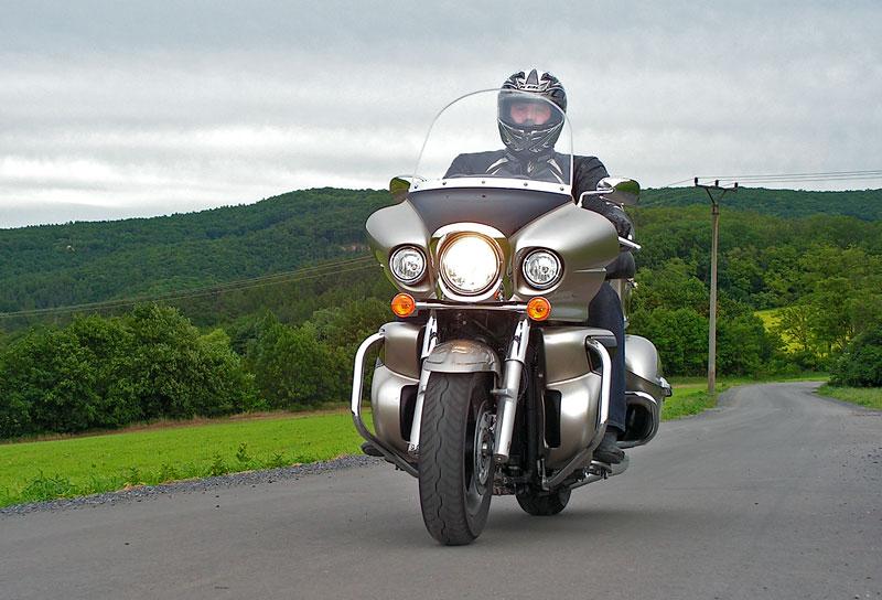 Test: Kawasaki VN1700 Voyager a srovnání s Harley-Davidson Electra Glide: - fotka 8