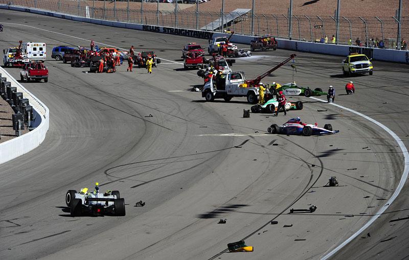 Las Vegas Indy 300: Zemřel Dan Wheldon: - fotka 13