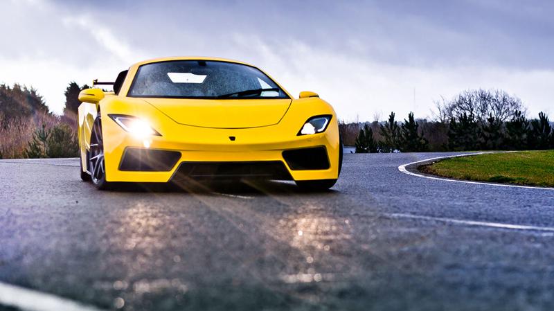 Arash AF8: Britský supersport se 7,0 V8 (410 kW): - fotka 3