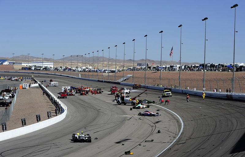 Las Vegas Indy 300: Zemřel Dan Wheldon: - fotka 14