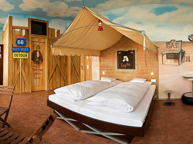 V8 hotel ve Stuttgartu: kdy jste naposledy přespali v myčce?: - fotka 15