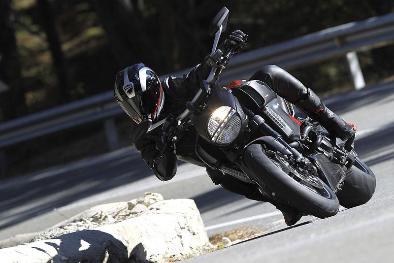 Oficiální představení Ducati Diavel: - fotka 10