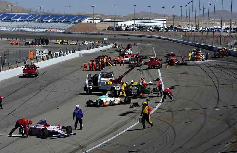 Las Vegas Indy 300: Zemřel Dan Wheldon: - fotka 15