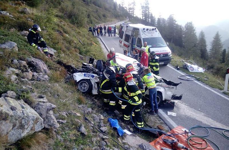 Děsivá bouračka ve starém závodním Fiatu ukazuje, jak důležitá je bezpečnostní klec: - fotka 15
