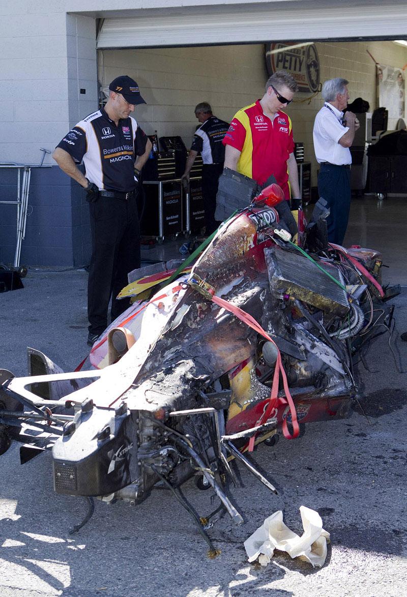 Las Vegas Indy 300: Zemřel Dan Wheldon: - fotka 17