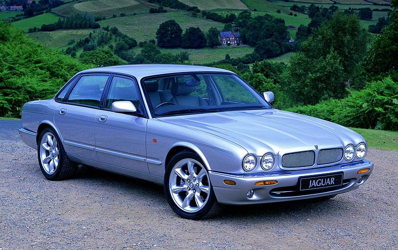 Pod lupou: Jaguar R aneb 25 let rychlých koček: - fotka 31