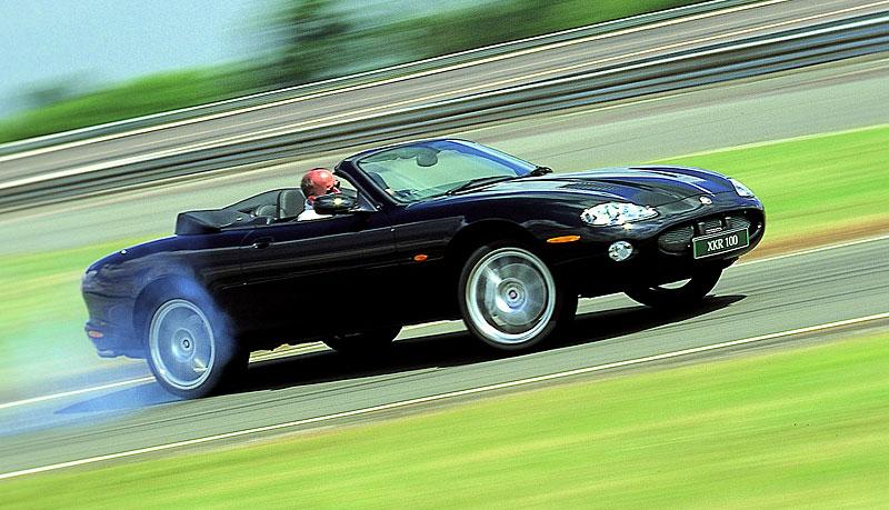 Pod lupou: Jaguar R aneb 25 let rychlých koček: - fotka 32