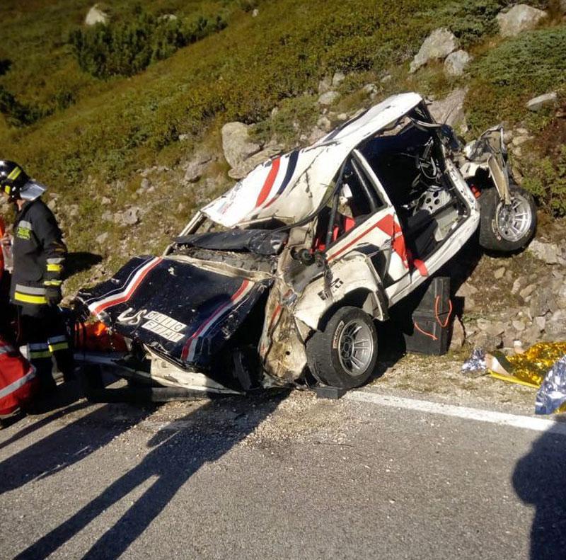 Děsivá bouračka ve starém závodním Fiatu ukazuje, jak důležitá je bezpečnostní klec: - fotka 17