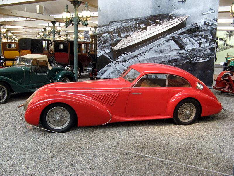 Pod lupou: Alfa Romeo 8C – včera a dnes: - fotka 8