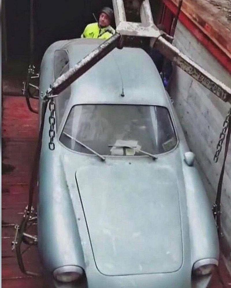 Opuštěná Alfa Romeo, která se našla po 35 letech, se prodala v dražbě. A vážně ne levně: - fotka 7